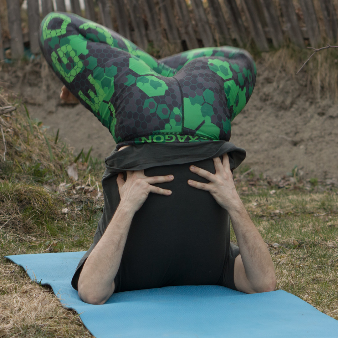 Shoulderstand lotus in April 7th 2017. I struggled before with slightly painful pressure in the padmasana, but have addressed it by having a look on the placement of my feet.