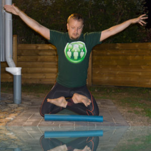 Lotus pose in August 15th 2017. I really love  Kneebalance and here I go for  Padmasana or  Lotuspose.