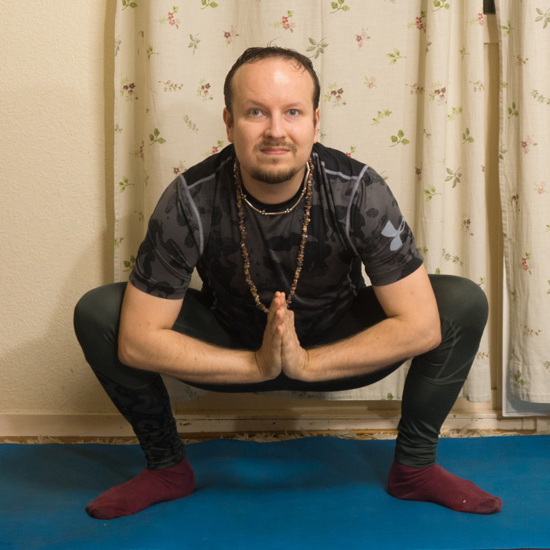 Malasana in October 24th 2017. I stay in Team Yang and bring a  Malasana or  Garland Pose. Gives a night stretch with activated arms and hands in anjalimudra.