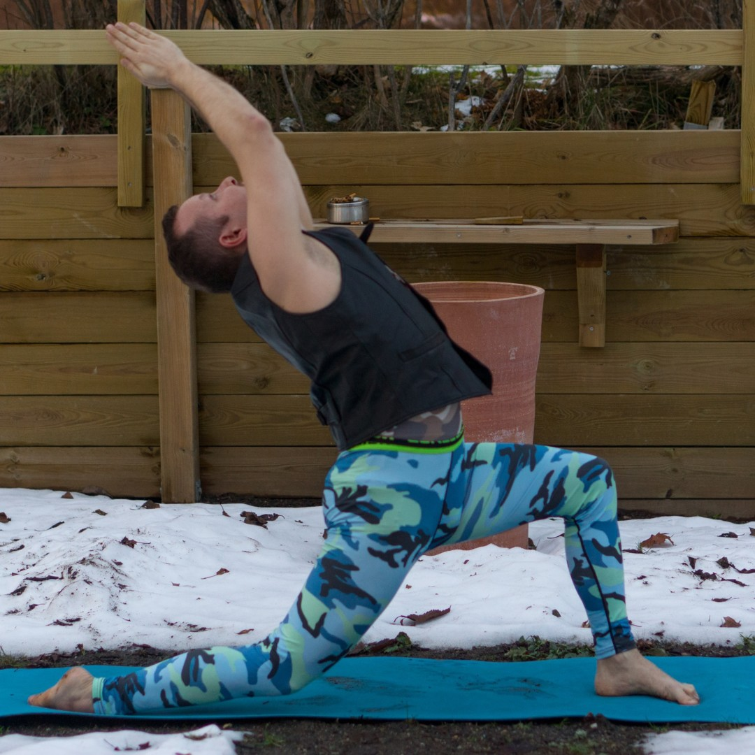 Crescent lunge in January 25th 2018. Here is my  Crescentlunge or  Anjaneyasana. Having knee slightly above ground gives a great workout for quadriceps, although I'm not sure if it's correct f