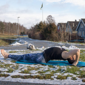 Fishpose in January 31st 2018. Perfect opportunity for  Sunshineyoga. Doing  Yogaoutside in daylight is very healthy, especially if you live at the 59th parallel north. Lack of sunshine makes you more vulnerable to influenza and other airborne pathogens,
