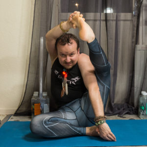 Compass pose in March 29th 2018. Happy  Easter! Hope you all had a great fridaynightyoga. This pose is a work in progress for me. I prepared with other hamstringopeners, like seated forward fold and heron pose.