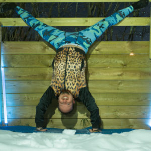 Straddle split in March 10th 2018. Rocking this  Saturdaynightyoga with a  Straddlesplit handstand against the wall. Still time for snowga, jacket from  Zara Man. Exposure time is 0.8 seconds