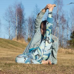 Compass pose in April 18th 2018. I go for a  Compasspose or  Parivrtta Surya Yantrasana in the sunset. This is a great hipopener and hamstringstretch.