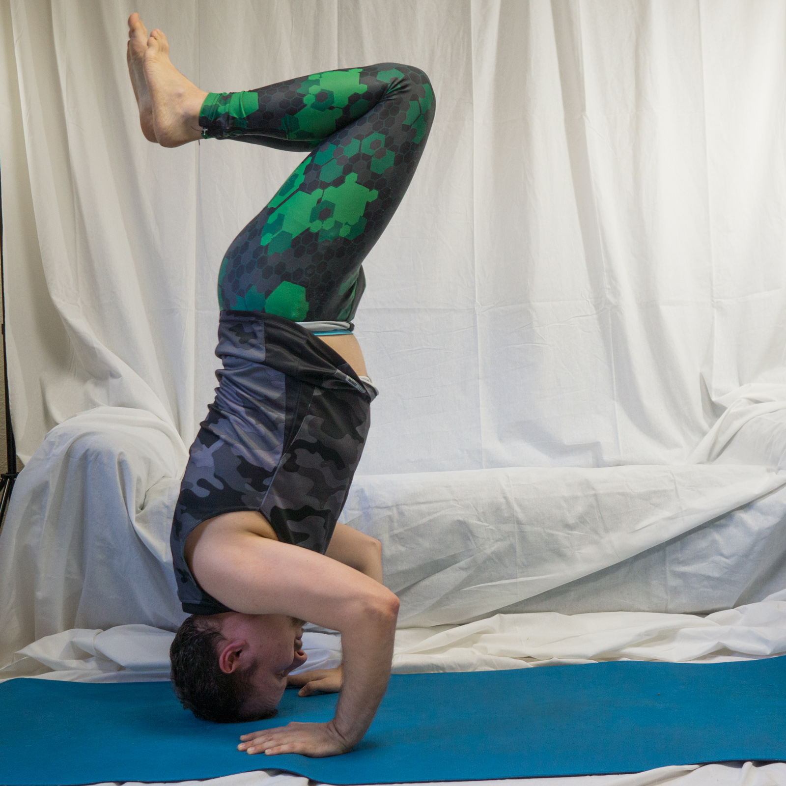 Tripod headstand in April 3rd 2018. The challenge in this one was the coordination, knowing where the legs are.