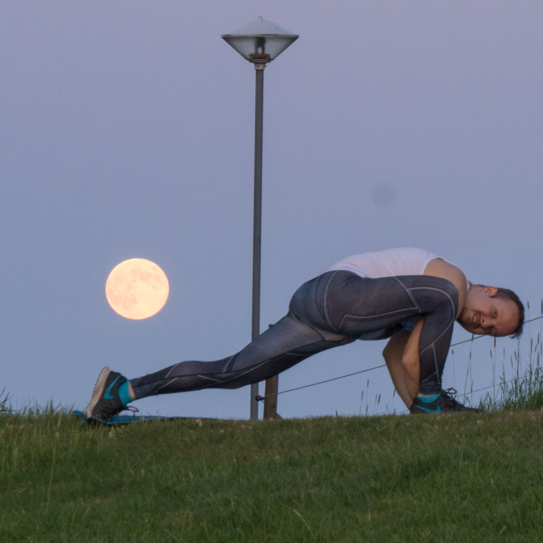 Lizard pose in May 29th 2018. Lizards love the fullmoon! I bring both sides for  Lizard or  Utthan Pristhasana, and take off in  Flying Lizard. Stable enough there to make a 1/6 second exposur