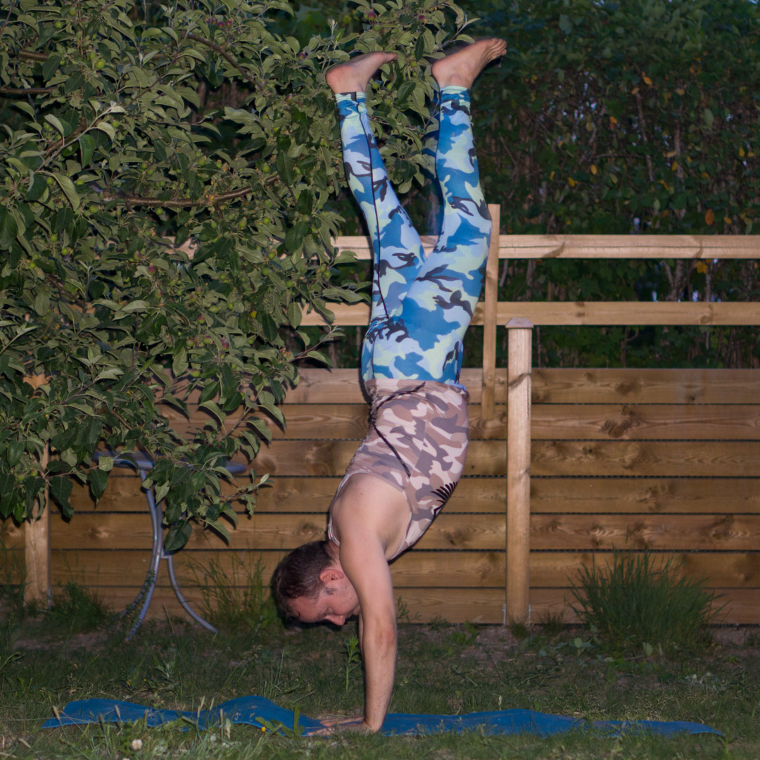 Handstand in June 6th 2018. I join both teams again. A  Handstand or  Adho Mukha Vrksasana for  Team Invert and a  High Lunge for  Team Bend