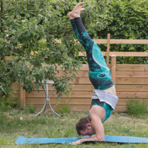 Forearm stand in June 5th 2018. I'm a kinda double yogiagent, having joined both teams everyday now. I bring a  Pincha Mayurasana for  Team Invert. I was able to hold for approx 18 seconds, an