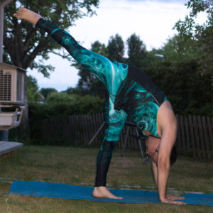Standing split in June 11th 2018. Calling off tonight with an  Urdhva Prasarita Eka Padasana or  Standingsplit.