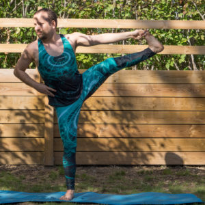 Utthita Hasta Padangusthasana in June 23rd 2018. When it comes to thigh stretches and strengtheners, one pose (or actually a sequence) that does the job is  Utthita Hasta Padangusthasana or  Extendedhandtobigtoepose. It's a superset for building awesome s