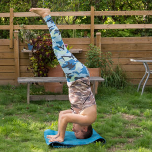 Sirsasana 3 in August 20th 2018. I bring a  Sirsasana3 or  Supportedheadstand3 since it's mancrushmonday and that means taking the risk to fall and get a little dirty. I have actually never go