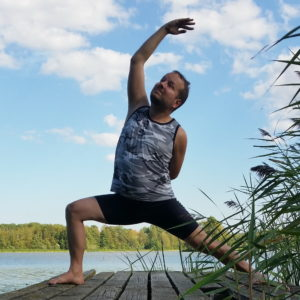 Reverse Warrior in July 22nd 2018. The return of a classic! Last time I did  Reverse Warrior or  Viparita Virabhadrasana for an IG challenge was in April 2017, so this pose needs some love. I