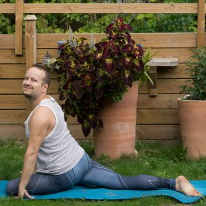 Pigeon pose in September 8th 2018.  Pigeonpose is a great hipopener, and pairs well with bound angle pose to target the hips in different axes. It's Monday, so what's everyone's fitness plans