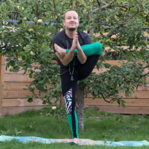 Standing pigeon in September 4th 2018. Leg behind head in headstand is way out of my current level, so I'm grateful for the option by @rachely.wang, a standingfigurefour or  Standingpigeon.