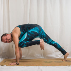 Knee to elbow in plank in November 7th 2018. Kumbhakasana or  Kneetoelbowinplank is commonly used as transitional pose in flows and also when forming regular lizards, flying lizards and epk2 w
