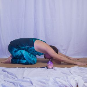 Child's pose in November 6th 2018. I go for  Childs Pose  Balasana with my  Thirdeye resting on a cork yogablock by @myjunglemat. The color of the  Ajnachakra is purple like an amethyst and it
