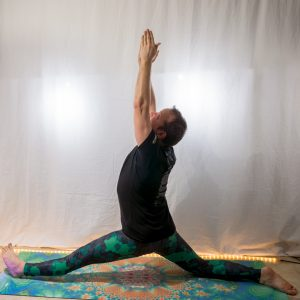 Split in January 7th 2019. I go for  Splits with an upward stretch, warmed up with pigeons for hips and forward folds for hamstrings.