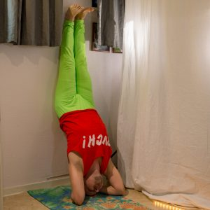 Hollow back in January 10th 2019. I go for sirsasana or headstand. While I've had easier to learn tripod headstand than classic, hollowback feels much more comfortable in sirsasana A. All head