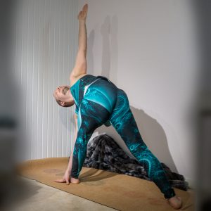 Revolved Triangle Pose in January 17th 2019.  Parivrttatrikonasana or  Revolved Triangle Pose is one of my favorite twists and also a good shoulderopener. Hand on the outer side of the foot if