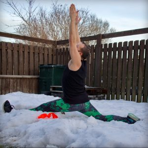Split in February 11th 2019. Thank you all hosts and sponsors for this challenge! You're never too old to play in the snow, so I bring splitstraining snowga, happy humpdayfunday  :)