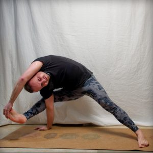Flying warrior pose in February 7th 2019. Those baby arm balances are usually harder than the regular adult version, and Flying warrior pose or Visvamitrasana is not an exception. I still stru