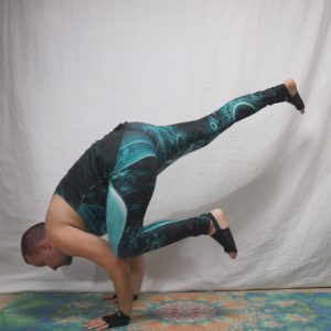 Flying crow pose in March 21st 2019. Happy Flying Friday! I got my Wear Your Mat by @yogapaws that I won in the Wild Wild Winter challenge today, love them!