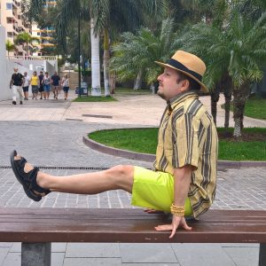 L-sit on bench in Los Cristianos
