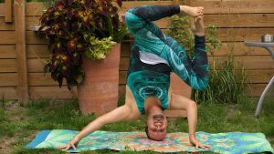 Funky headstand from Creative Playful Yogis