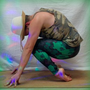 Hero Pose in March 17th 2019. This  Heropose or  Virasana variation is first time for me. Great activation for hard to reach muscles in the legs, and stronglegs goals means whole legs