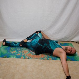 Supine twist in March 22nd 2019. I love Jathara Parivartanasana or Supinetwist, a so relaxing pose, and a nice stretch if you stay in it for a while. The right type of sound can be healing and