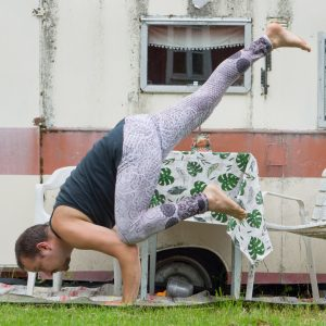 Flying crow pose in July 9th 2019. Yoga i Mjölby är görgött :)