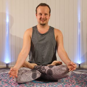 Lotus pose in February 28th 2020. My first choice for meditation in seatedpose is Lotuspose or Padmasana. This makes me feel very grounded, and sukhasana or easy pose is a good substitute if l