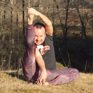 Compass pose in March 26th 2020. My choice today is Parivrtta Surya Yantrasana or Compass pose.