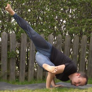 Eka Pada Koundinyasana 1 in April 24th 2020. Since I've already used the grasshopper and side crow, I bring my remaining twisted Arm balance, the Eka Pada Koundinyasana 1 or EPK1.