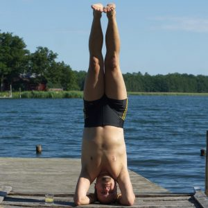 Headstand in July 14th 2020. I'm catching up with two types of headstands, the Salamba Sirsasana A and Tripod headstand, also known as mukta hasta sirsasana a.