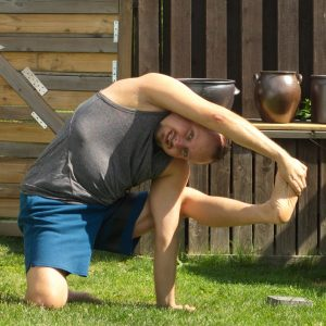 Visvamitrasana in August 1st 2020. Today is Ardha Visvamitrasana or kneeling flying warrior pose. I entered it from regular compass pose, which itself require good preps for my hammies.