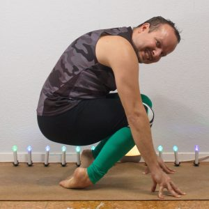 Thunderbolt pose in September 23rd 2020. Thank you all hosts and sponsors for this challenge! Last day is feet and ankles, and I bring a Vajrasana variation for healthy ankles.