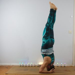 Headstand in October 1st 2020. Yay, I'm in here! First day is straight line, and I go for a Sirsasana or Headstand.