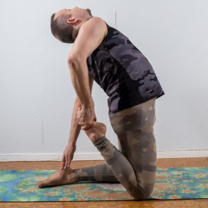 Camel pose in May 23rd 2021. I couldn't decide what to bring today so I bring three - a Camel Pose variation, Bridge Pose with one leg up and Kapotasana practice on FeetUp.