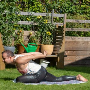 Swan pose in August 11th 2021. Today is Fire Log Pose and Swanpose, and I go for both. I didn't knew firelog was Yinyoga, just knew it as a seatedgroundedpose and hip opener. As my focus this